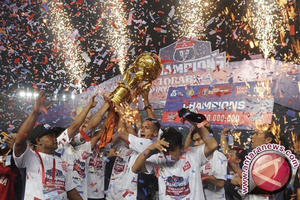 Arema Juarai Piala Bhayangkara 2016