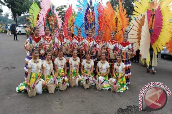 Pemkab Parimo Ciptakan Costume Carnival Untuk FPTT