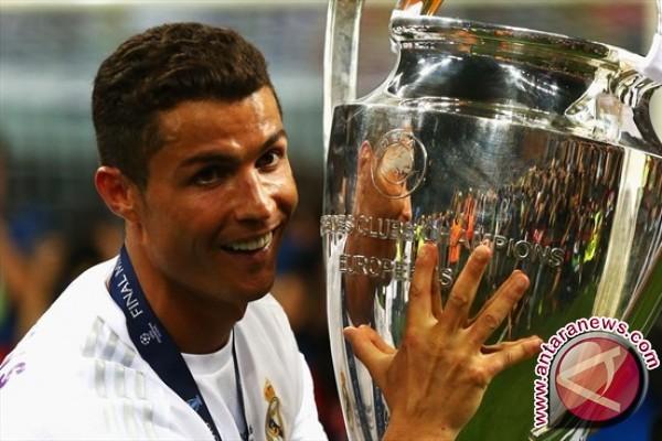 Cristiano Ronalda pesepakbola berpenghasilan paling tinggi di dunia