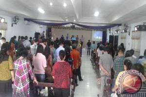 Sejumlah Gereja Di Palu Laksanakan