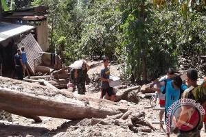 Belasan rumah di Dolo diterjang banjir lumpur