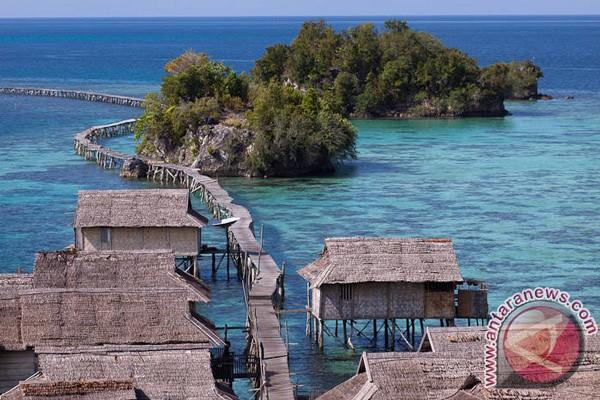 Obyek Wisata Kepulauan Togean Dibersihkan