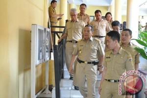 Gubernur Sulteng Sidak Pegawai Sampai Sore