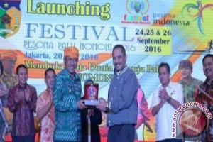 Festival Palu Nomoni Buat Prasasti Tiga Bahasa
