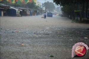 Wilayah Sulteng Masih Dilanda Hujan