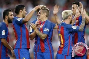Kerasnya pertandingan El Clasico Real Madrid - Barcelona