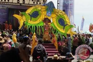 Parimo Libatkan Rusia Gelar `Fashion Carnival`