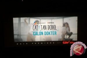 """Catatan Dodol Calon Dokter"", dokter juga manusia"