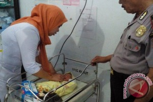 Bayi laki-laki ditemukan di tepi jalan Trans Sulawesi