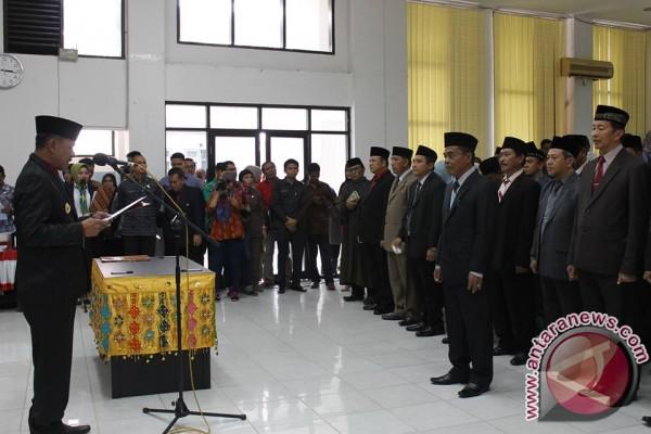Wali Kota Lantik Puluhan Pejabat Eselon IIB