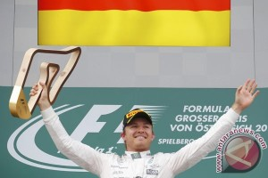 Rosberg pensiun, Mercedes sisakan satu kursi kosong