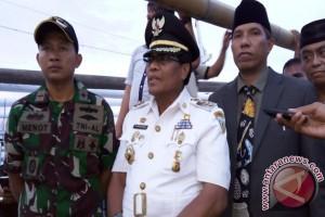 Kadis Perikanan Donggala Ali Assagaf dilantik di atas kapal ikan