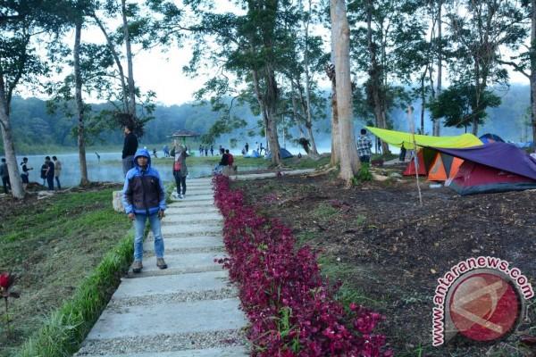 Danau Tambing Obyek Wisata Favorit Kalangan Muda