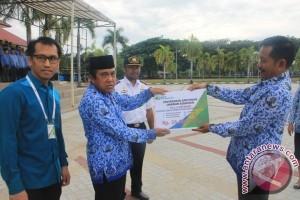 Honorer Pemkab Parimo nikmati manfaat BPJS Ketenagakerjaan