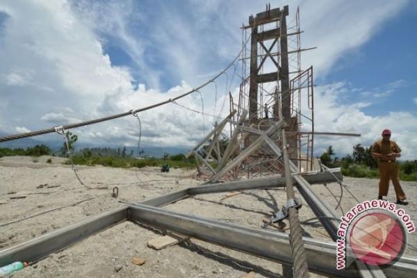 Diduga sabotase, Jembatan Gantung Kalukubula Ambrol