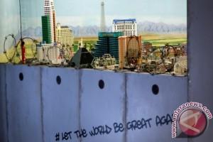 Anti-Trump, Wonderland Jerman bangun dinding kelilingi AS
