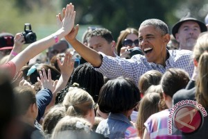 Menjadi mantan, Obama hidup santai dengan belajar 'kiteboard'