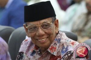 Hasyim Muzadi kiai jalan tengah
