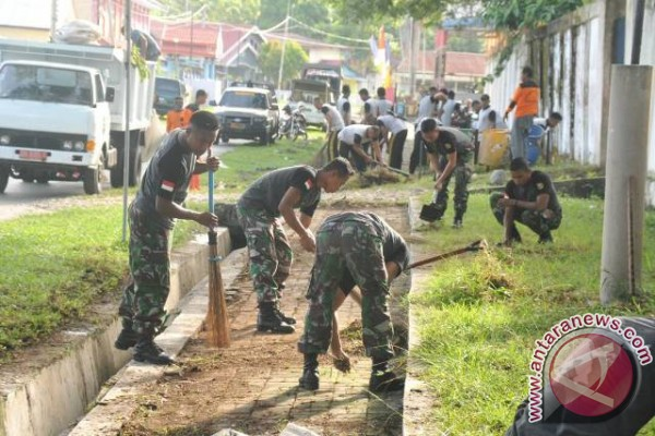 Satgas Operasi Tinombala Bersihkan Kota Poso