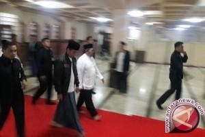 Presiden Jokowi nikmati perayaan Isra Mi`raj bersama santri