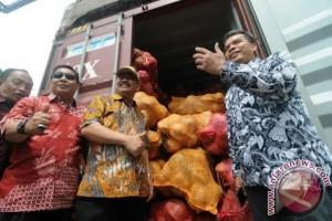 Sulteng Ekspor Langsung Kelapa Segar, Kalangan Industri Menangis?