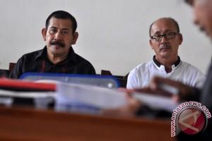 Kadis PUP Banggai Laut Dituntut 18 Bulan Penjara
