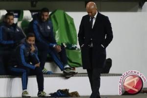 Zidane sesali pemainnya tak kompak bertahan setelah Ramos diusir wasit