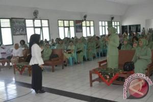 Istri anggota TNI Korem Tadulako kompak perangi kanker servix