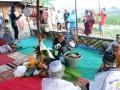 Warga Kelurahan Lasoani, Kecamatan Mantikulore, Kota Palu menggelar ritual adat 'Pompaura' atau tolak bala, Kamis (18/5). Ritual Pompaura Posunu Rumpu ini adalah salah satu ritual adat yang dilaksanakan secara turun temurun oleh masyarakat. Di komunitas lain upacara adat serupa juga dilaksanakan tapi dengan nama yang berbeda. (FOTO:antarasulteng/Ridwan/A055)