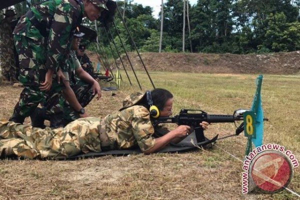 Gubernur Sulteng Ikut Latihan Pembaretan TNI