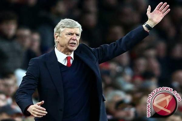Arsenal pertahankan Arsene Wenger