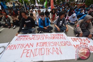 PROTES UU PENDIDIKAN TINGGI
