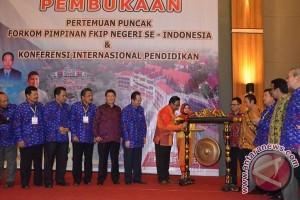 Gubernur Promosikan Wisata Kota Palu Di Konferensi Pendidikan