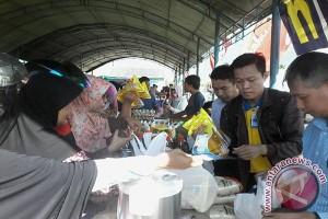 Warga Palu Serbu Bazar Ikan  Pasar Murah