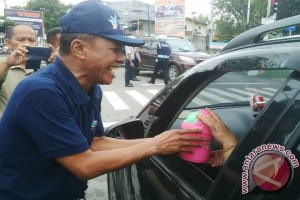 Wali Kota Ajak Masyarakat Bersihkan Lingkungan