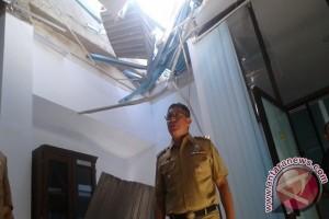 Gempa Poso rusak bangunan, lukai sejumlah warga