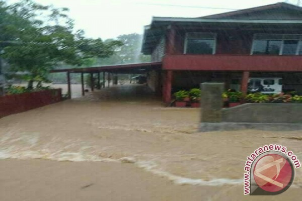 Ratusan Hektare Lahan Pertanian Rusak Akibat Banjir