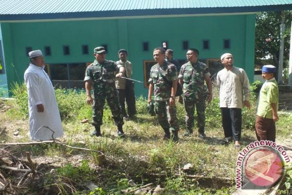 Satgas TNI silaturahim dengan Yayasan Amanah Puteri Tanah Runtuh Poso