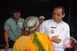 Gubernur Longki Djanggola temui korban gempa di Napu