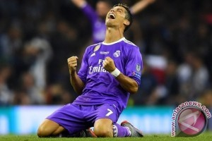 """Ronaldo: """"Team Talk"""" Zidane Merupakan Kunci Kemengan"""