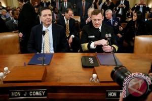 Mantan direktur FBI buka-bukaan, Trump memang telah menekan dia