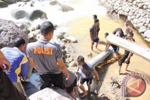 Polres Tolitoli bantu pemulihan distribusi air bersih pascabanjir