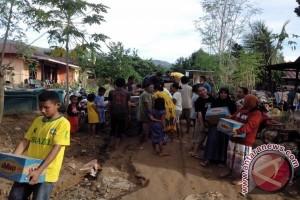 Nasdem Bantu Air Bersih Korban Banjir Tolitoli