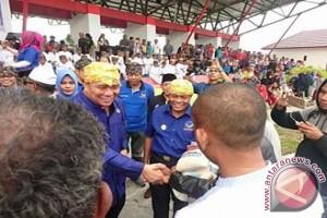 5.000 Warga Miskin Donggala Terima Paket Sembako