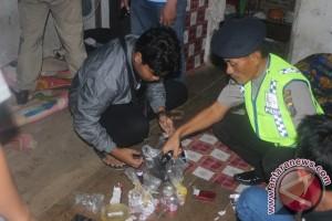 Hirup lem fox, Polres Touna tangkap enam pemuda