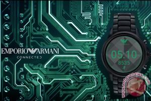 Smartwatch Armani akan meluncur September