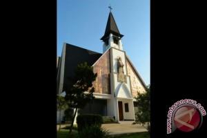 Gereja Katolik TMII ubah jadwal misa saat Lebaran