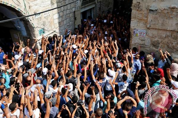 Muslim Palestina kembali masuki Aqsa setelah dua pekan