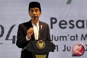 Jokowi didoakan terpilih lagi saat berkunjung ke Pondok Pesantren di Lombok Timur