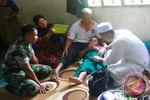 Satgas Opster TNI Poso Gelar Khitanan Gratis